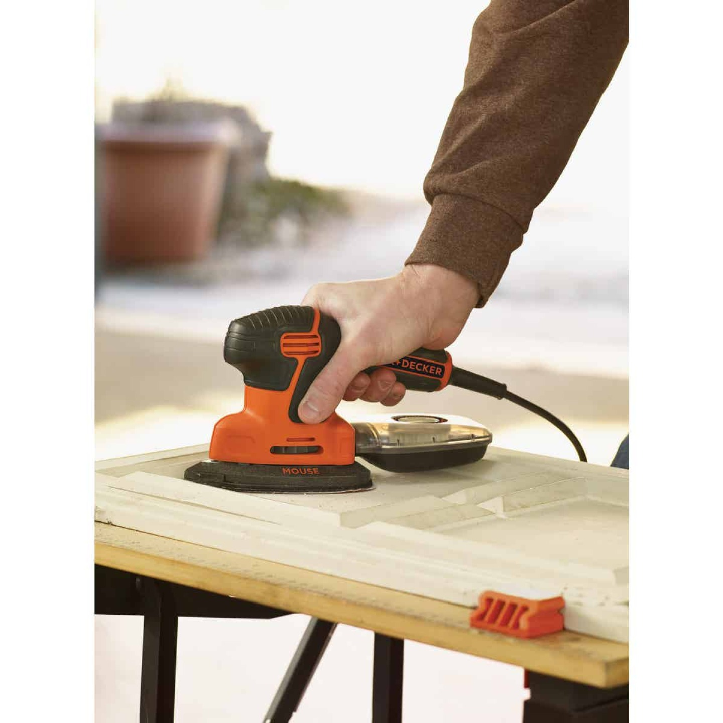 Black & Decker Mouse 10 In. 1.2A Finish Sander Image 3